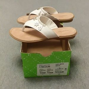 NWT & BOX St. John's Bay White Sandals w/charms 5M